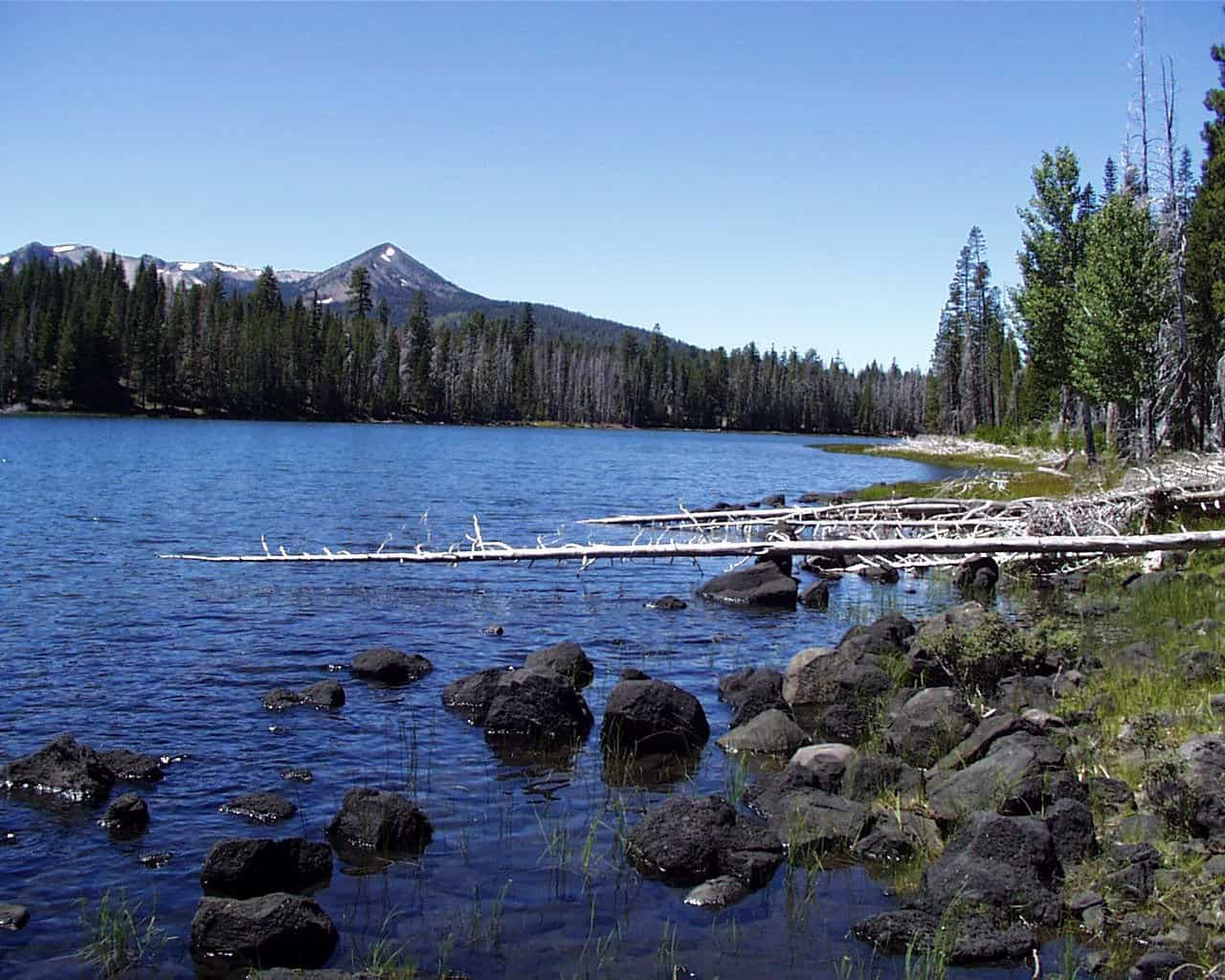 Lake Eiler, Thousand Lakes Wilderness. An extensive system of hiking trails encompasses Lake Eiler and other nearby lakes. (Courtesy Lassen National Forest)