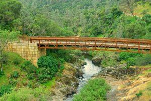 Exploring Hidden Falls Regional Park Hiking Trails: Sierra Foothill Beauty