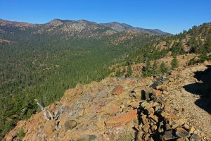 Hiking the PCT to Cement Bluff above Bluff Lake