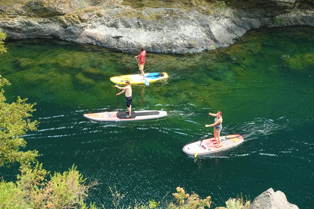 Stand-up paddlers on the Middle Fork Smith River